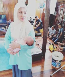 Biodata Elly Mazlein, Pelakon Drama Kampung People 2