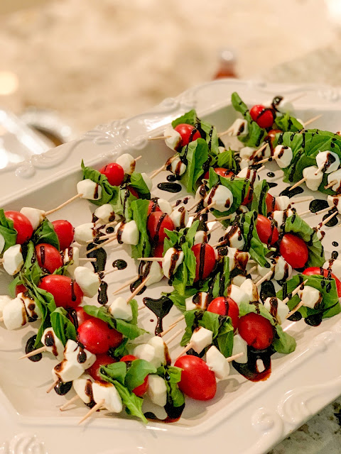 Caprese Salad Skewers, a simple caprese salad on a stick, easy to make and fancy to look at.