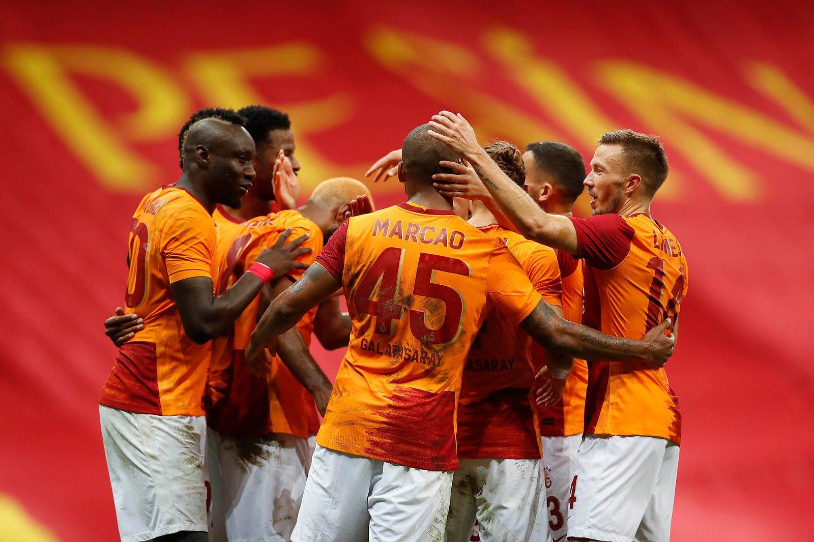 Galatasaray'ın Rangers maçı şifresiz kanalda!
