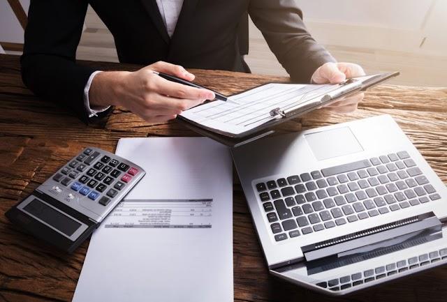 El SAT detecta 339,000 mpd en facturas falsas.