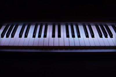 So sánh giữa đàn piano điện yamaha và đàn piano điện kawai