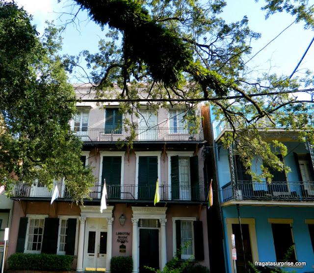 Fachada do Lamothe House Hotel em Nova Orleans