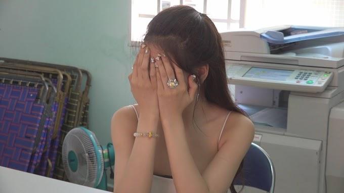 """'' SỐC """" Bắt Quả Tang 2 nữ nhân viên quán cafe đang bán dâm, 1 tháng """"đi khách"""" đến 350 lần -  [ 350 LẦN ]"""