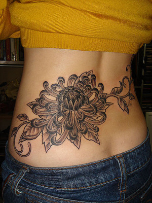 pinkbizarre: Lower Back Tattoos For Girls