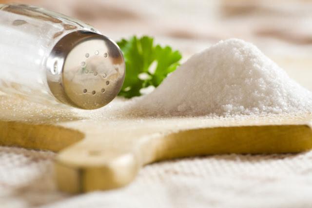 BIENESTAR: El sodio no aporta calorías, pero recomendamos evitarlo si buscas perder peso.