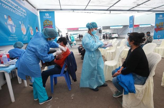 Covid-19: ministro de Salud anuncia próximo Vacunatón el 6, 7 y 8 de agosto