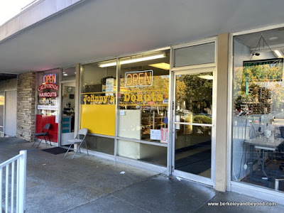 exterior of Johnny's Donuts in Lafayette, California