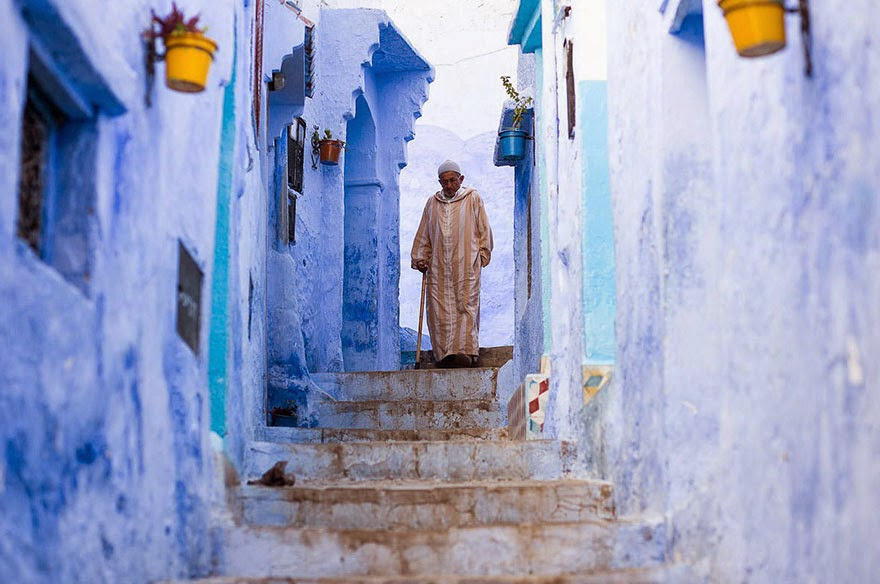 You Have To See This Mesmerizing Town In Morocco Covered In Blue Paint