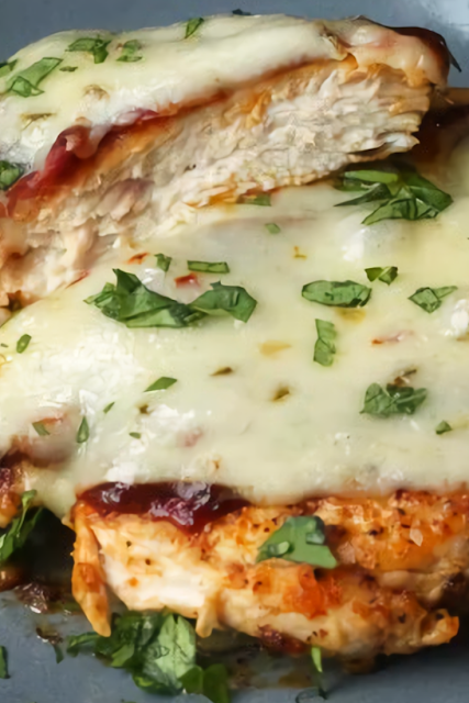 Baked Chicken With Bacon and Pepper Jack Cheese