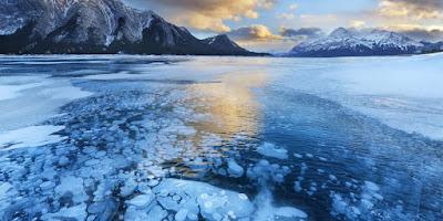 Frozen methane bubbles, Canada