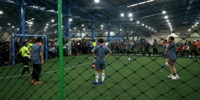 """Jokowi """"Ngaku-ngaku"""" Menang Main Futsal, padahal Kalah"""