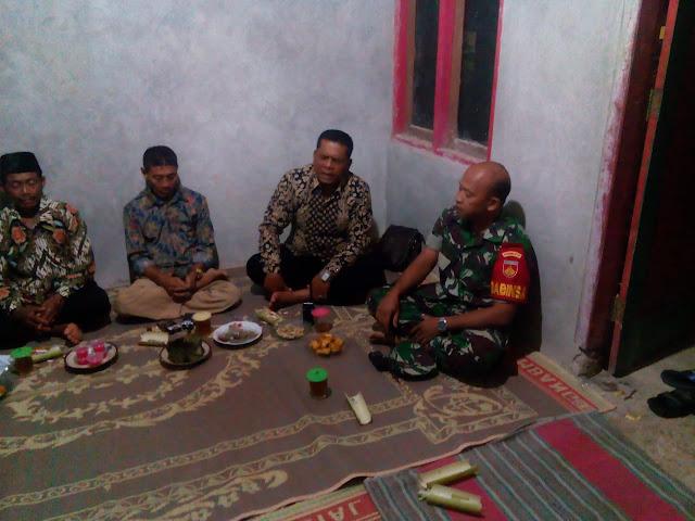 KodimKaranganyar - Babinsa Gedong Hadiri Rapat Linmas di Wilayah Binaan