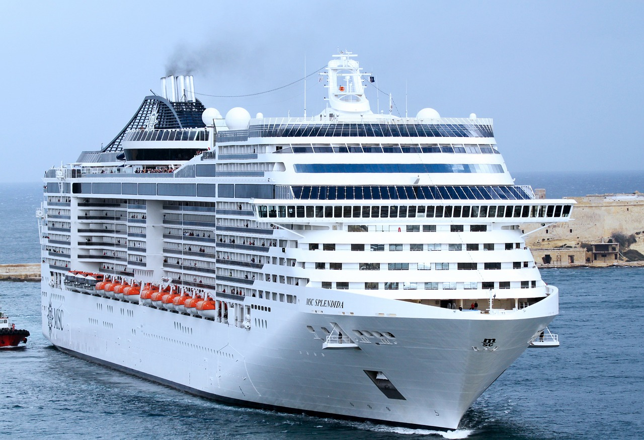 Cruising all over the world cruise ships for all age groups for Best round the world cruise