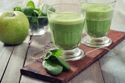 5 Façons de préparer des boissons avec des épinards pour perdre du poids
