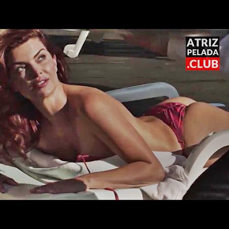 """Mayana Neiva de calcinha mostrando os peitos no filme """"Água Dos Porcos"""""""