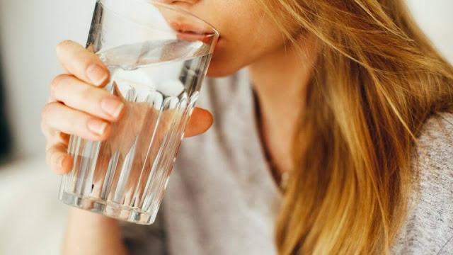Ini Dia 9 Manfaat Minum Air Putih Hangat Setiap Hari