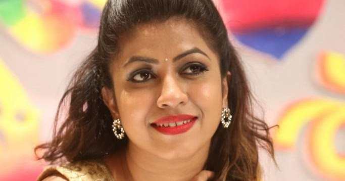 South spicy actress Geethanjali hot image gallery in hd