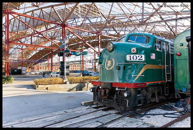 SLCC 102 sits under the train shed at St. Louis Union Station in December 2004.