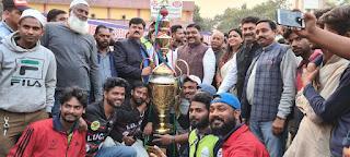 लकी क्रिकेट क्लब ने फैजाबाद इलेवन को हराकर जीता बाराबंकी प्रीमीयर लीग का फाइनल मैच