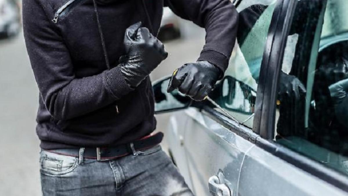 furto borsa auto Polizia di Stato