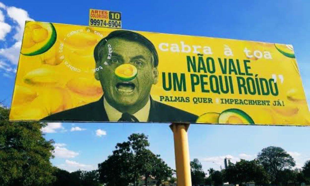 STJ tranca inquérito por outdoors do pequi roído com críticas a Bolsonaro em Palmas