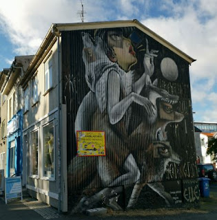 Street Art o arte urbano en Reykjavík. Calle Laugaveugr.