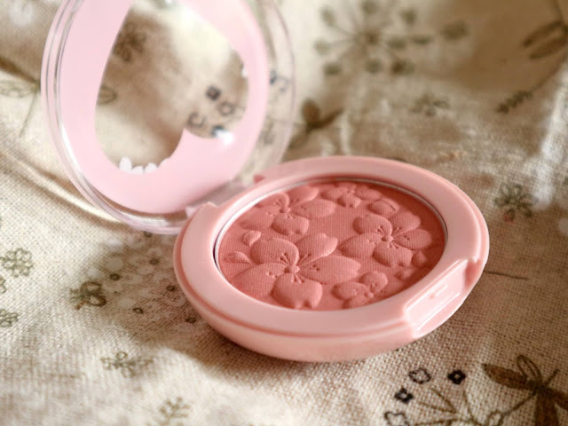 Le blush de la collection heart blossom de chez Etude House en teinte My Little Blossom.