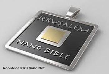 Biblia en microchip