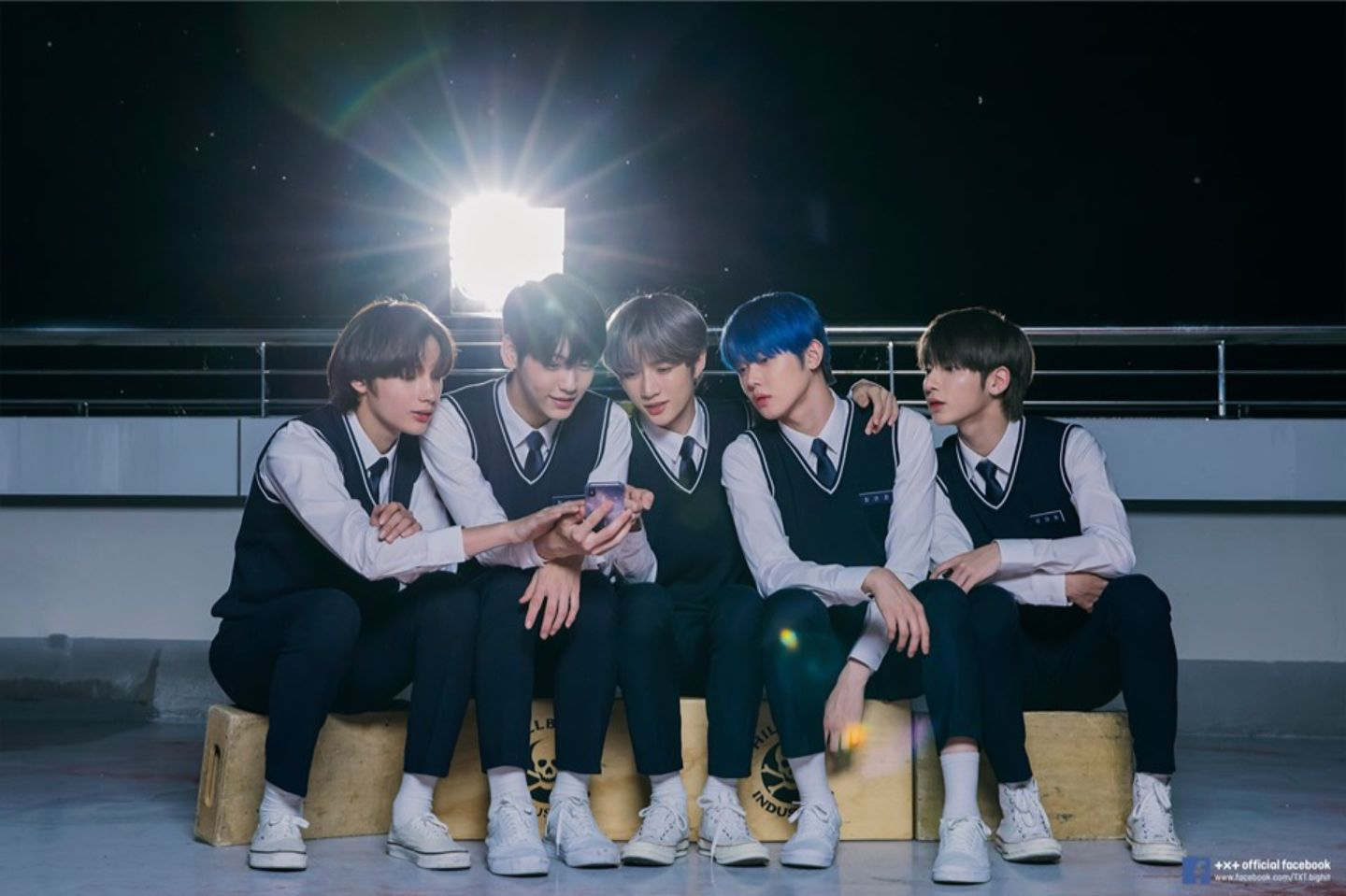 TXT Gets Gold Certificate in Japan with Single 'Magic Hour'