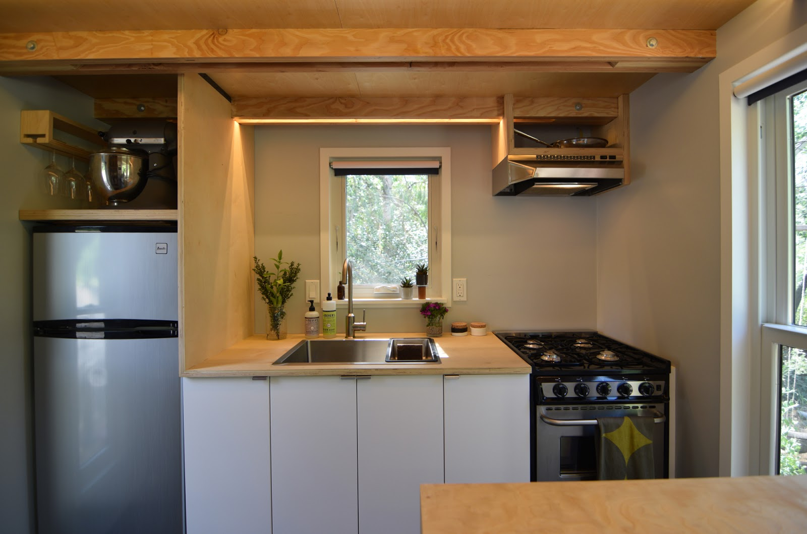 Tiny house town the shedsistence tiny house 204 sq ft for 24 ft tiny house