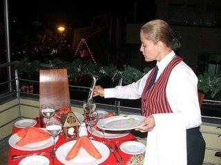 Con el camarero del hotel - 2 part 4