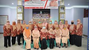 HUT ke-75 RI, Dharma Wanita Beri Bantuan Pendidikan kepada Pelajar dan Mahasiswa