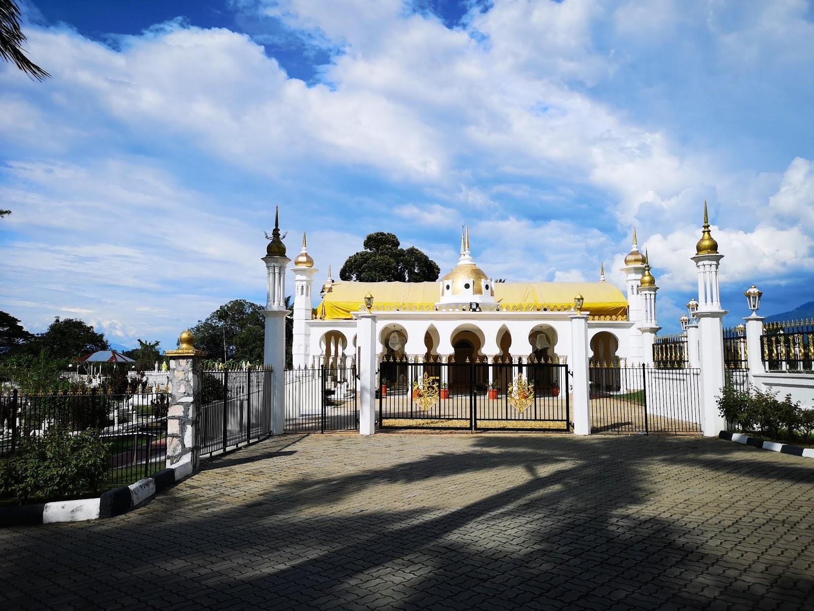 Makam Diraja Al-Ghufran