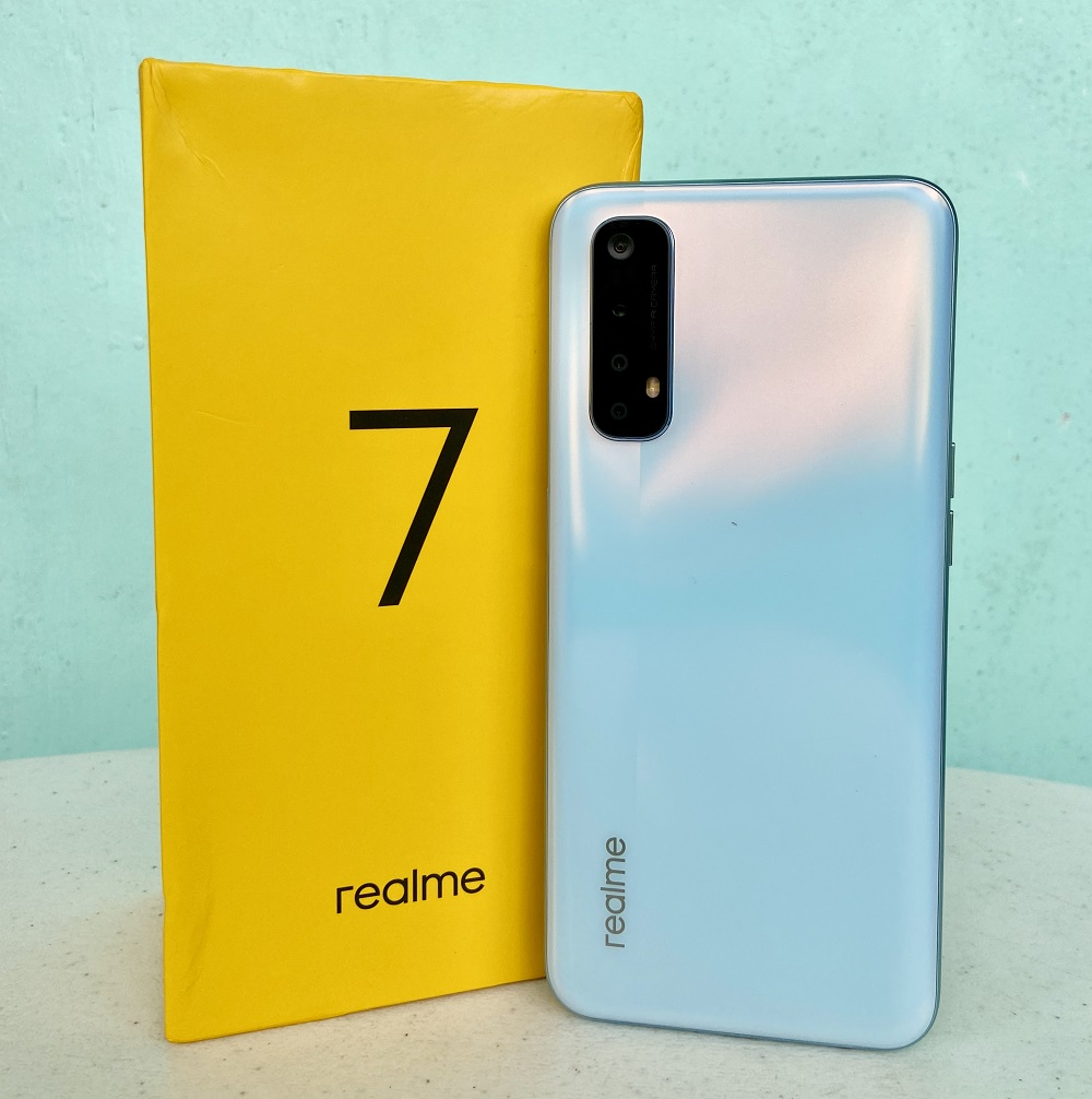 realme 7 with retail box