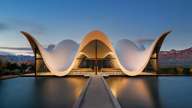 Часовня в ЮАР с крышей в форме волны