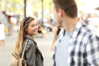 تفسير حلم رؤية شخص تحبه يتكلم معك في المنام