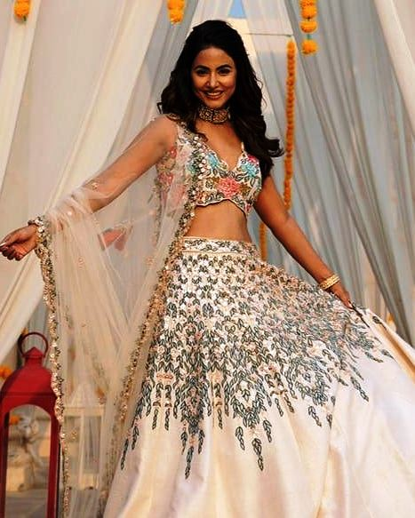 Diye Esse pose : Hina Khan ka Photoshoot
