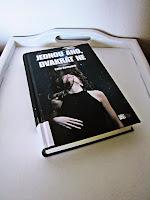 http://kavove-knihy.blogspot.cz/2016/05/jednou-ano-dvakrat-ne.html