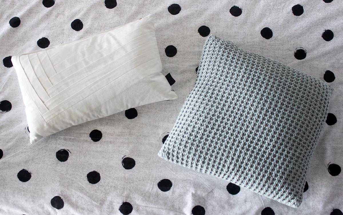 Kussens Met Stippen : Urban proof dots bagagedrager kussen zwart stippen kopen bij hbs