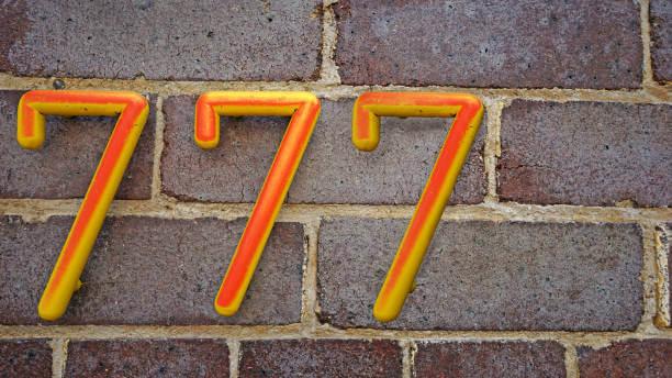 Ý nghĩa con số 777: Tại sao nó xuất hiện ở mọi nơi