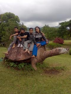 Taman Goa Lawa