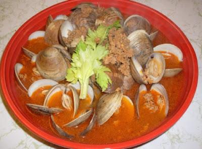 How to make Clams in Chorizo Broth.