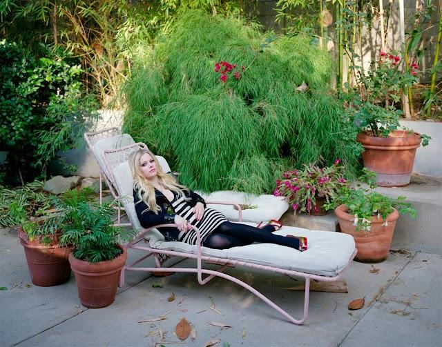 Avril Lavigne comparte el vistazo más adorable desde el interior de su jardín