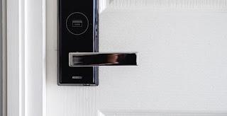Door Sensor - Teknologi Smart Home