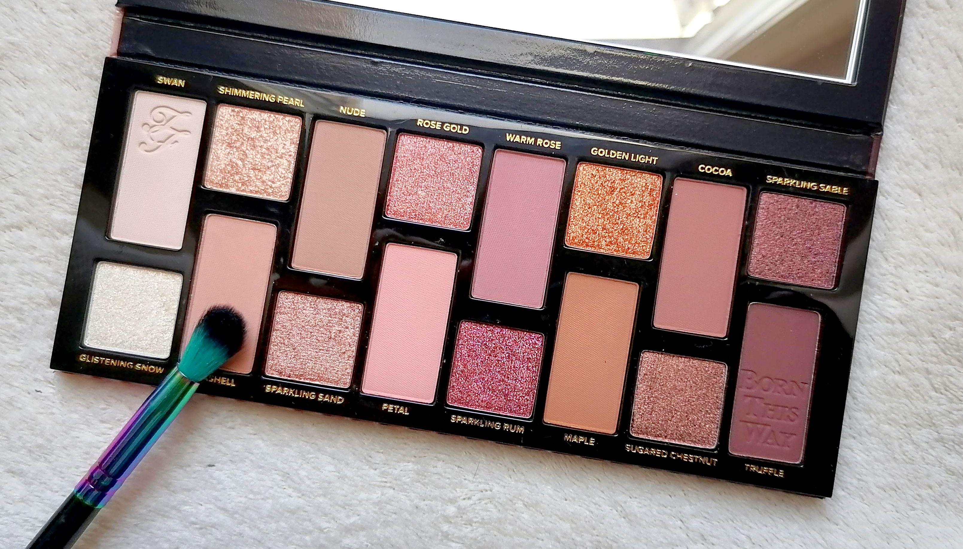 BORN THIS WAY Turn Up The Light de TOO FACED (Tan)