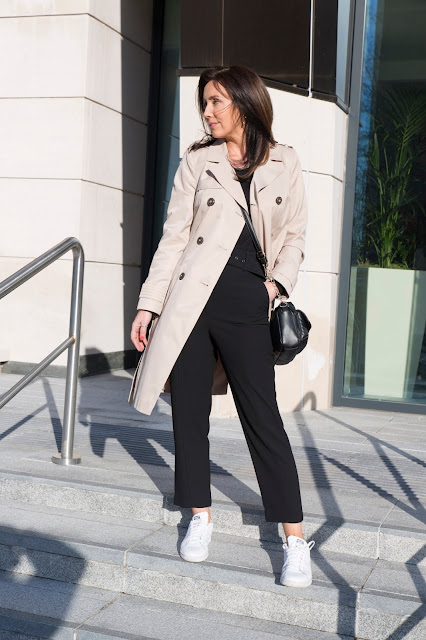 over 40 style trench coat outfit