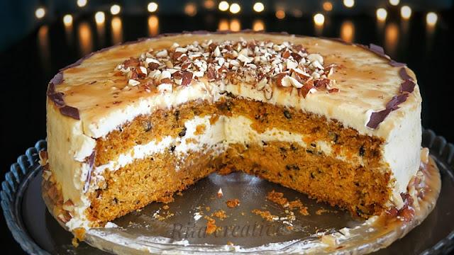 tort marchewkowo orzechowy z karmelem