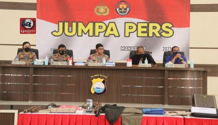 Polda Sulsel, Gelar Jumpa Pers Terkait Penindakan Densus 88 di Komplek Villa Mutiara Makassar