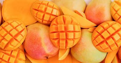 Itu barangkali pertanyaan yang ada di benak Anda saat makan buah mangga Vitamin Yang Terkandung dalam Buah Mangga