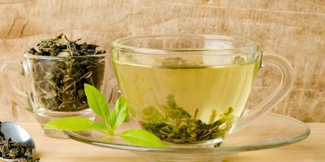 Perbedaan teh hijau dan matcha